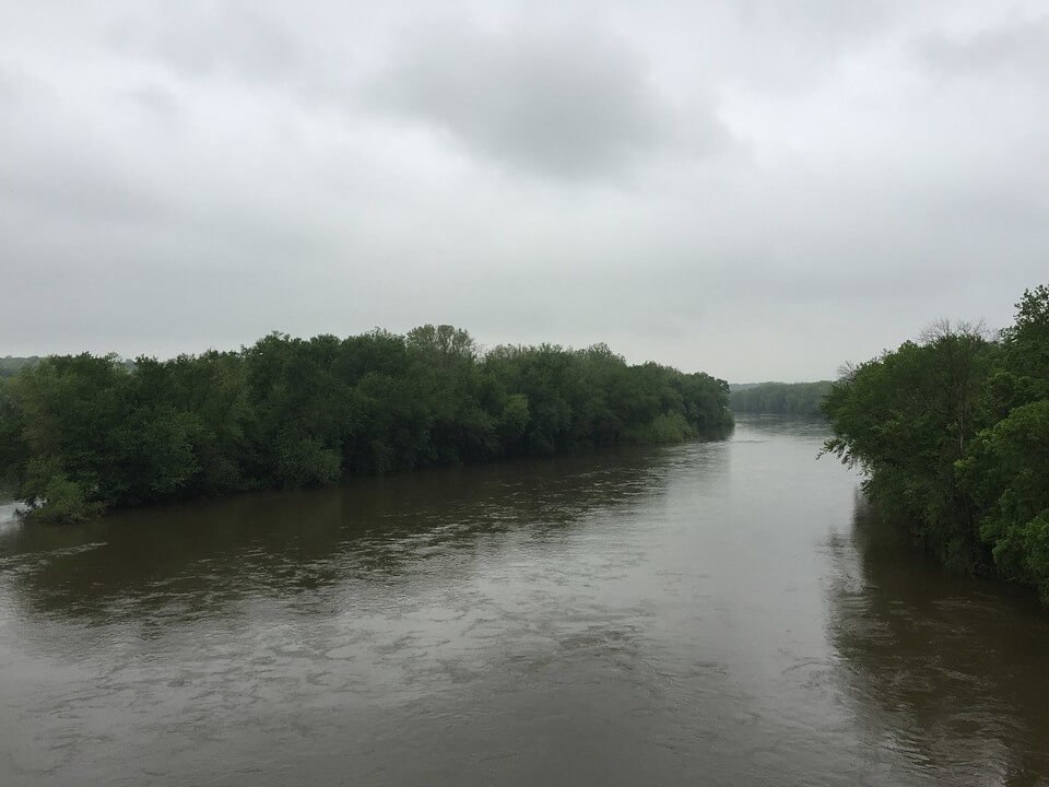 View of Potomac River in cloudy day