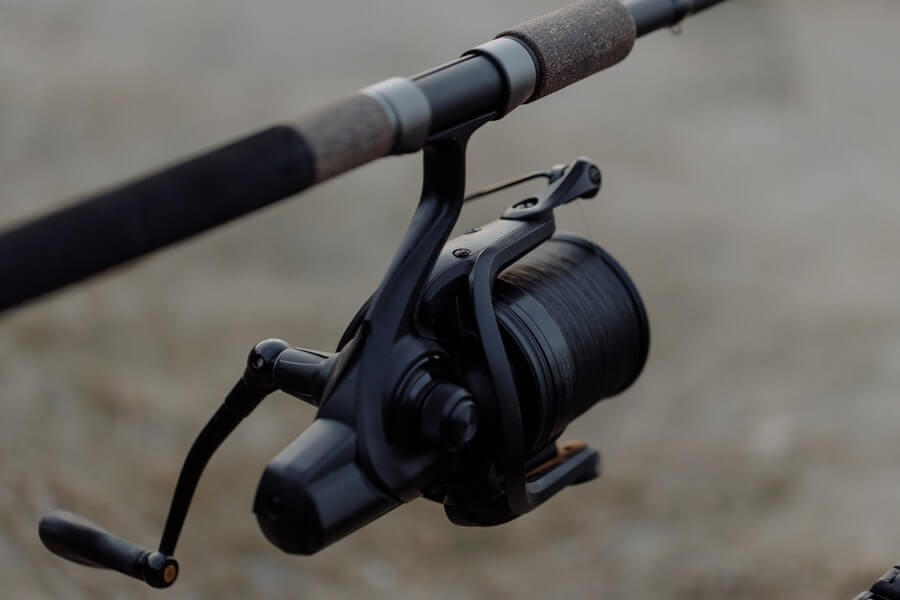 fishing spinning reel and rod