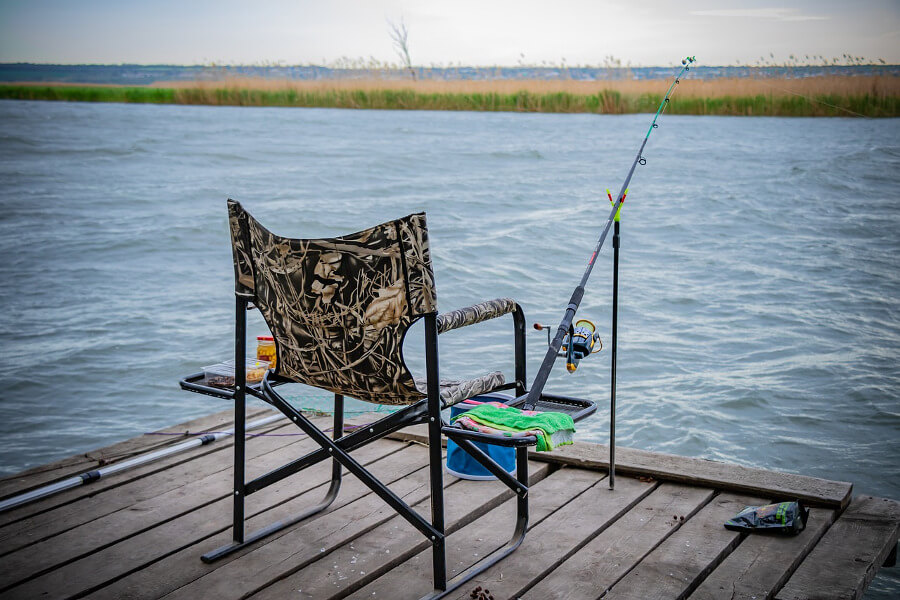 foldable fishing chair with rod holder